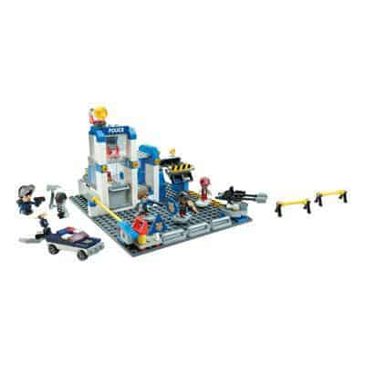 Kre-O CityVille Police Station Zombie Defense Set