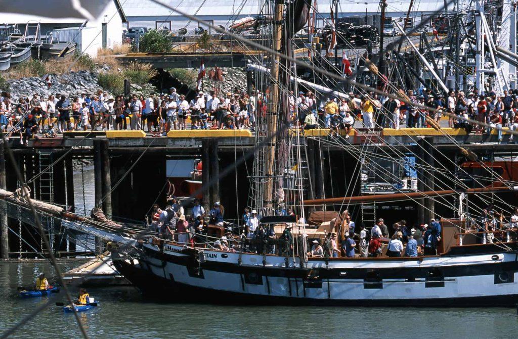 Shipboardcrowds